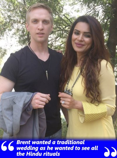 brent wanted a traditional hindu wedding says aashka goradia