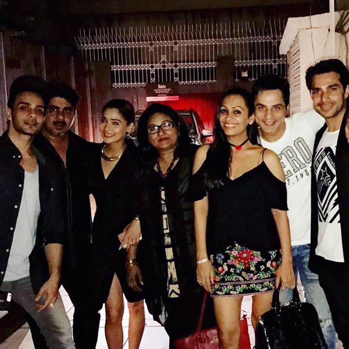 cast of bidaai meet for a reunion