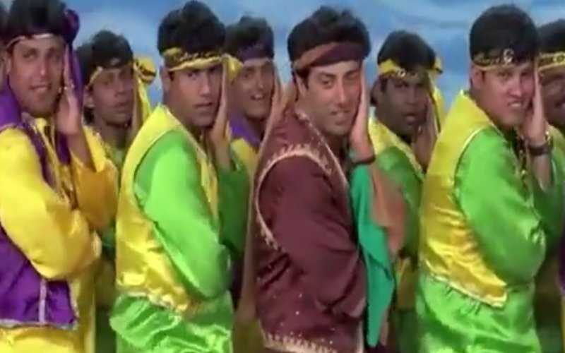 MEME: Sunny Deol accepted the #BeatPeBootyChallenge