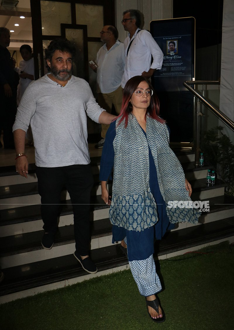 deepak tijori and pooja bhatt at neeraj vora s prayer meet