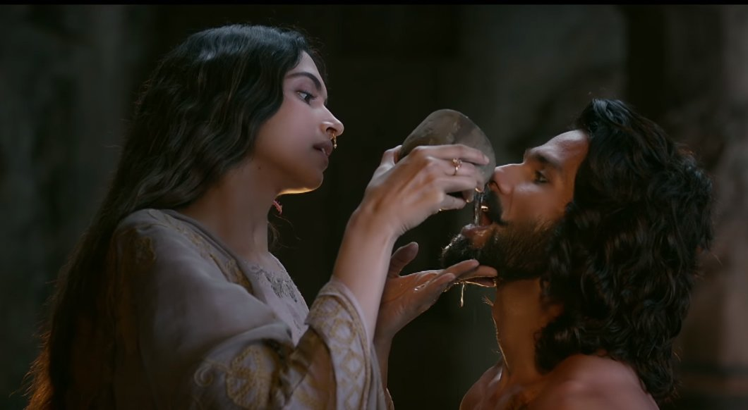deepika padukone in and shahid kapoor in padmaavat