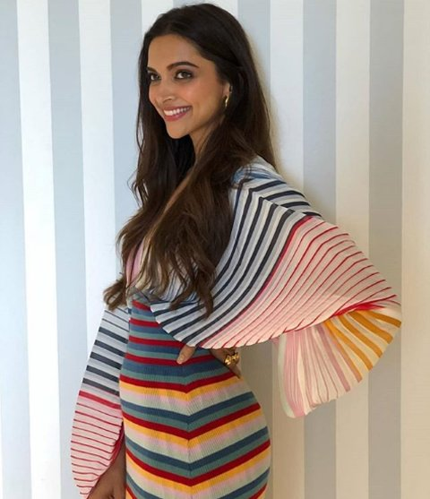 deepika padukone poses for the shutterbugs