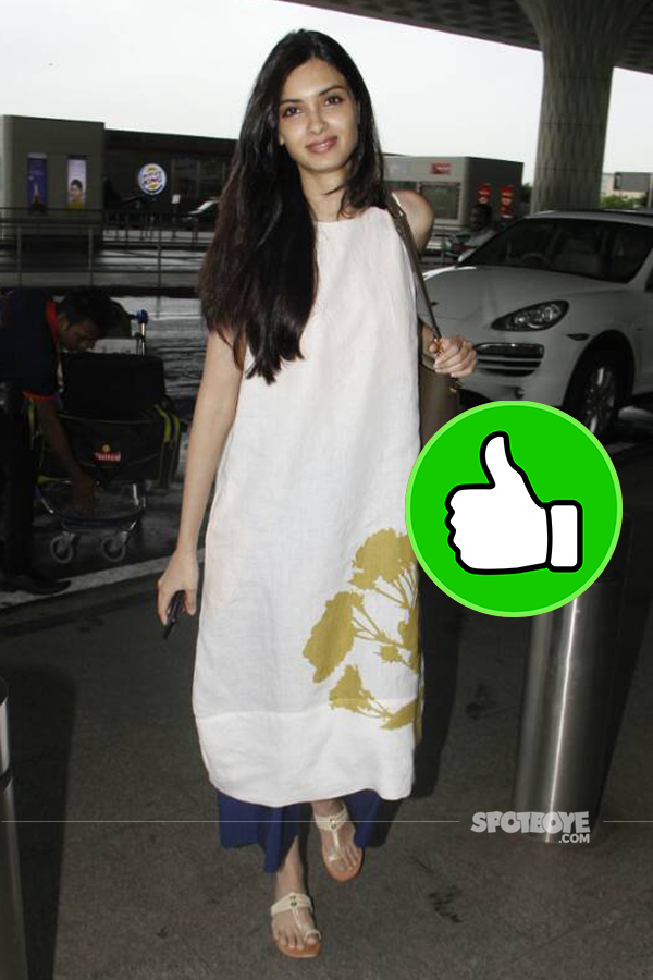 diana penty snapped at the mumbai airport