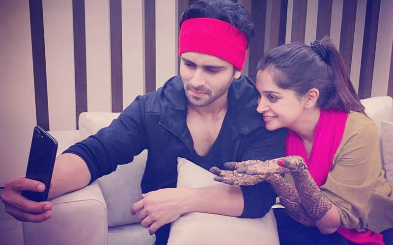 Video: Dipika Kakar Applies Mehendi For Eid & Shoaib Ibrahim Just Can't Get Over It!