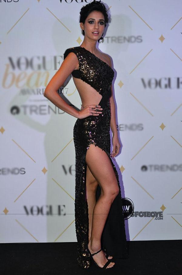 disha patani at vogue beauty awards 2017