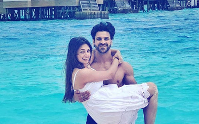 Vivek Dahiya's Latest Romantic Picture With Divyanka Is A Slap On The Trolls