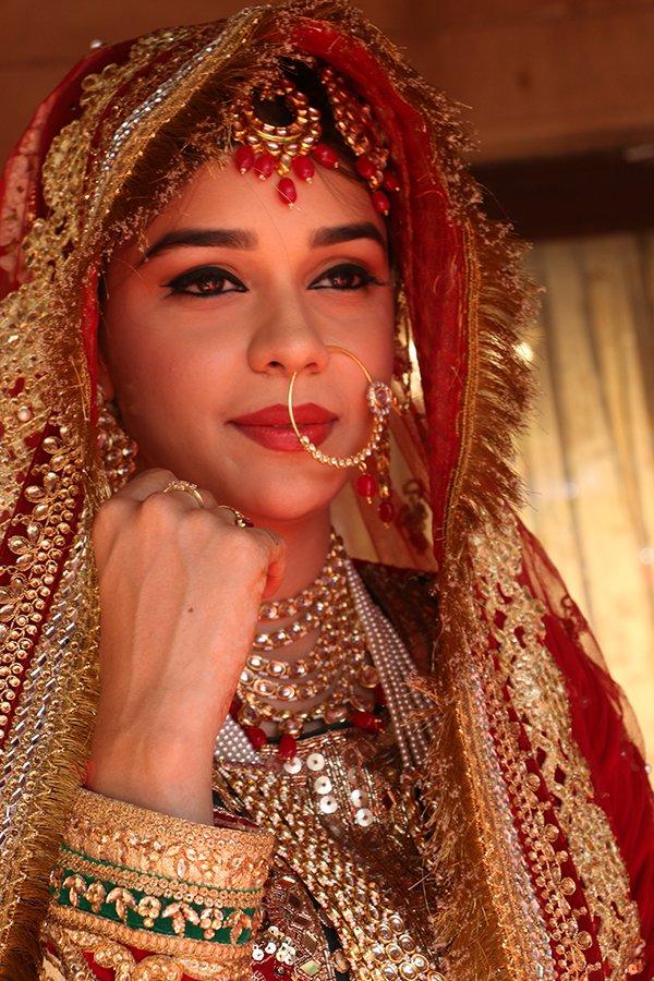 Eisha Singh As Zara