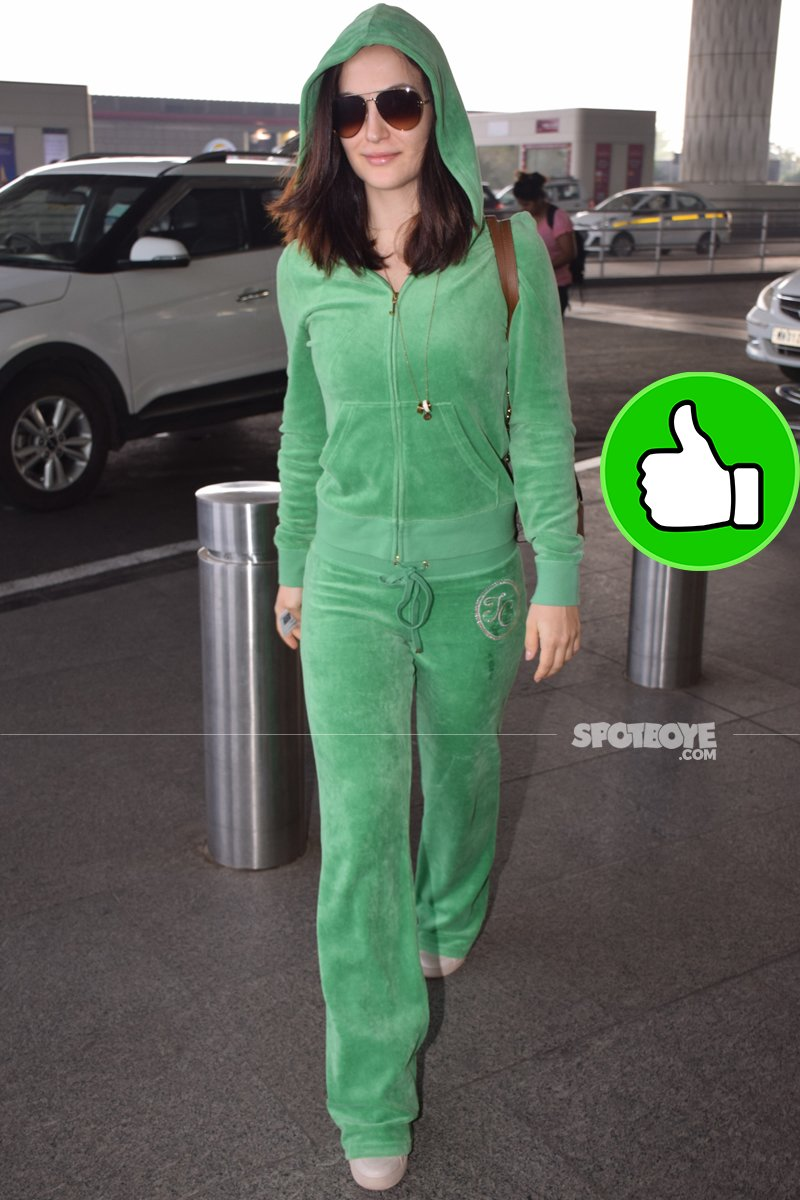 elli avrram at the airport