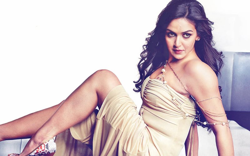 Dhoom Girl Esha Deol To Make Comeback After 7 Years