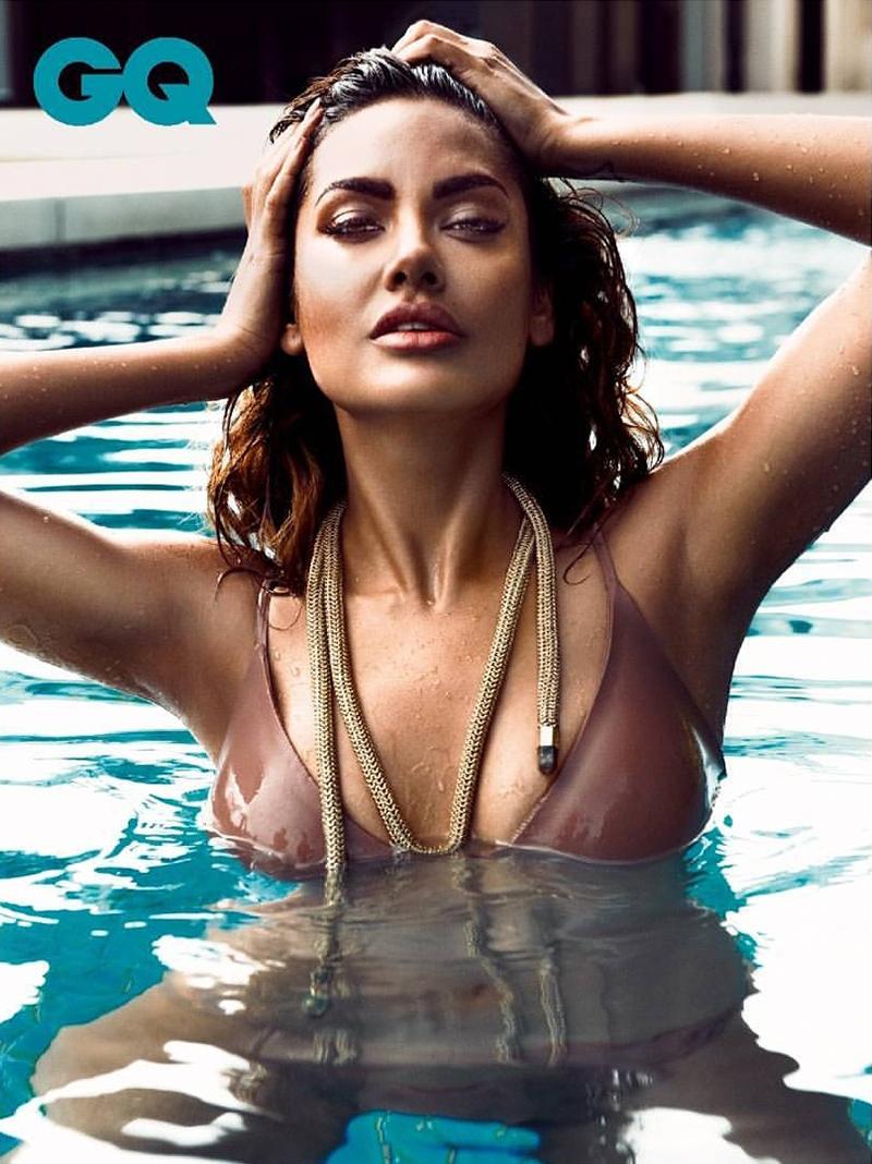 esha gupta hot bikini 2