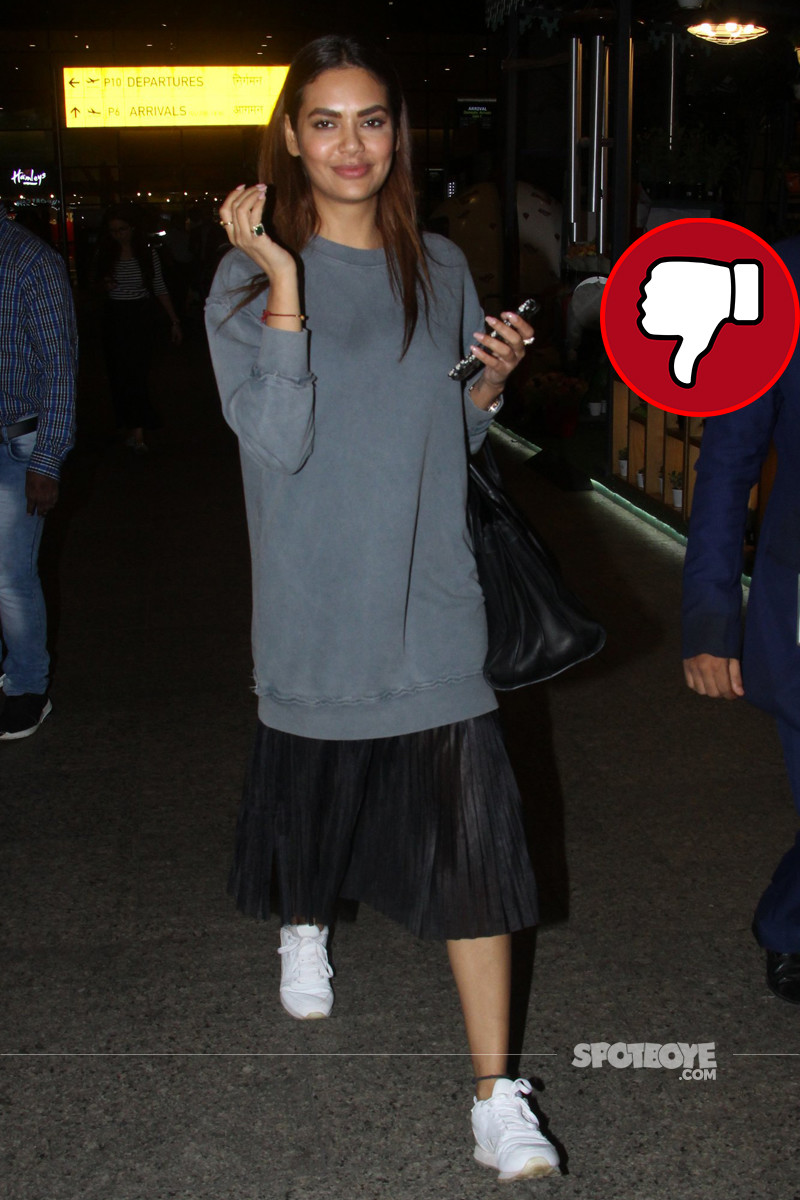 esha gupta snapped at the airport