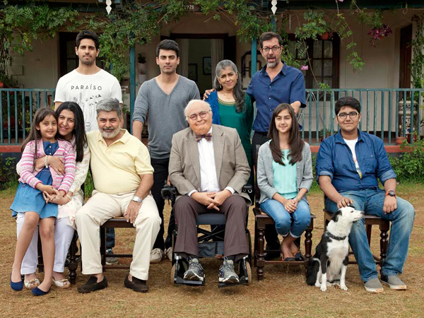 the entire family ready for the family photo in a still from kapoor and sons