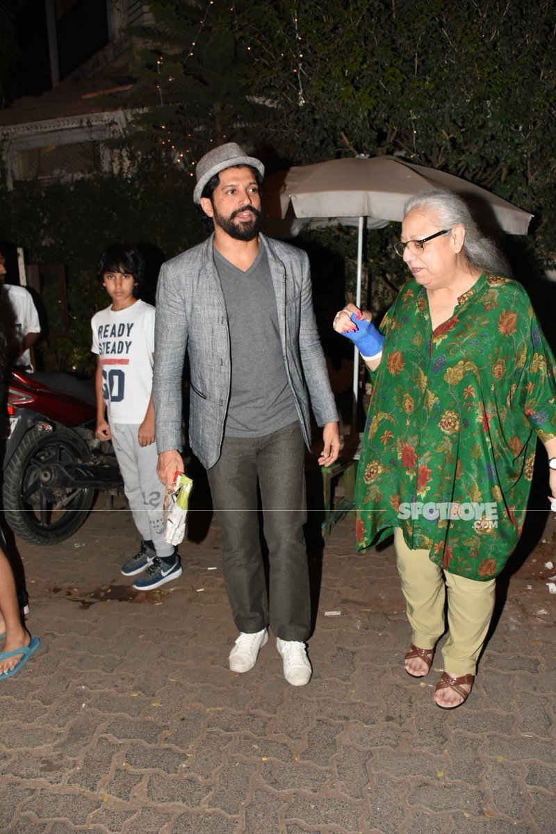 farhan with his mother