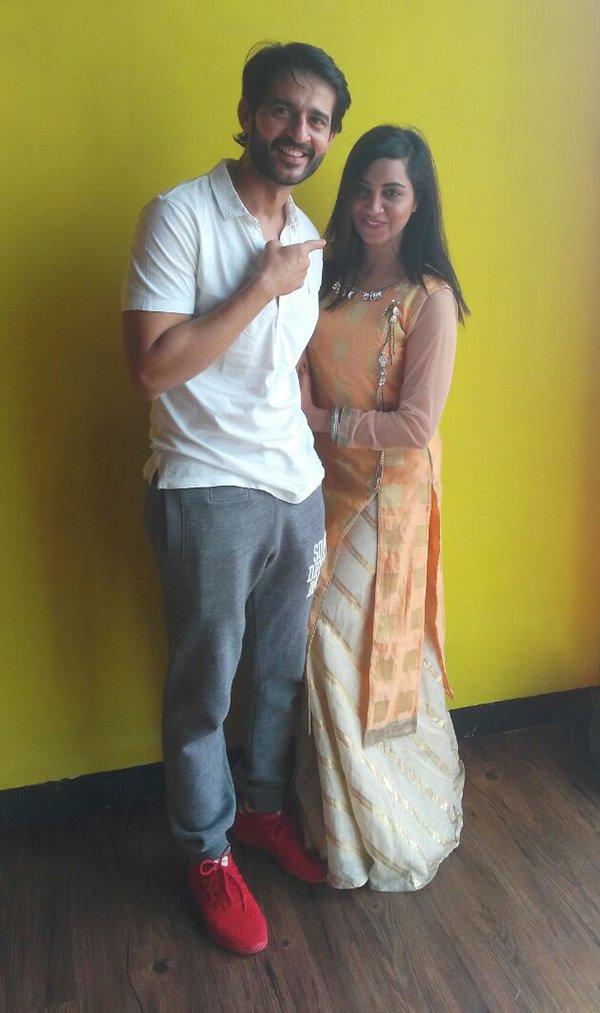 hiten tejwani with arshi khan