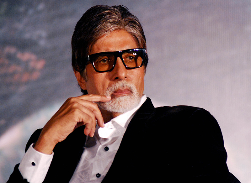 fwice workers protests outside amitabh bachchans jalsa bungalow