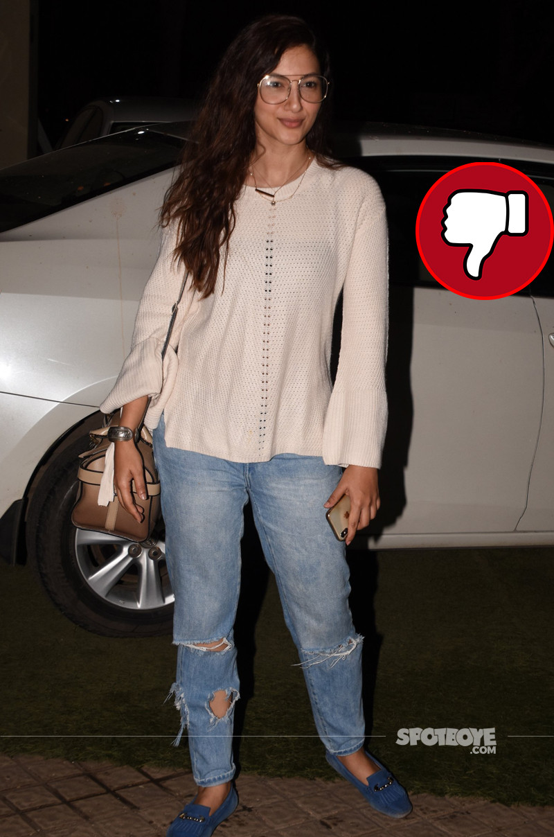 gauahar khan snapped in the city