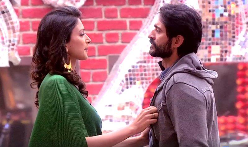 gauri pradhan meets hiten tejwani in bigg boss season 11