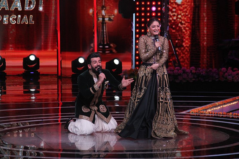 guest appearance mahhi vij on the sets of the voice india kids