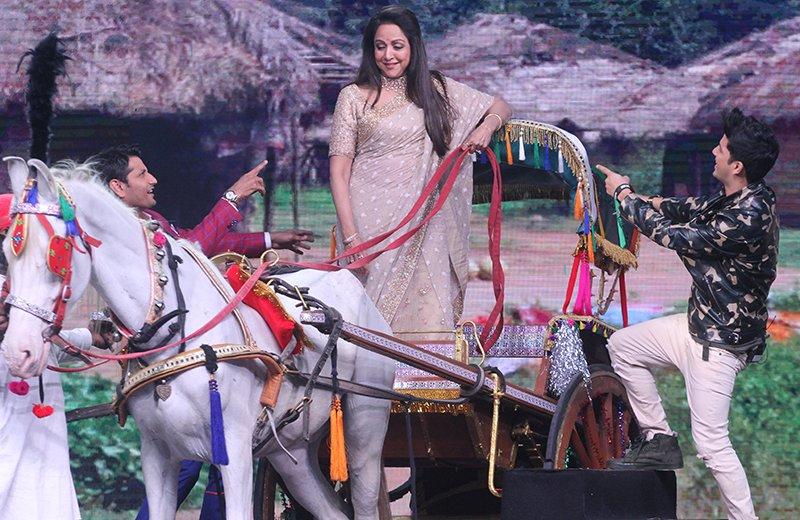 hema malini on the sets of dance india dance