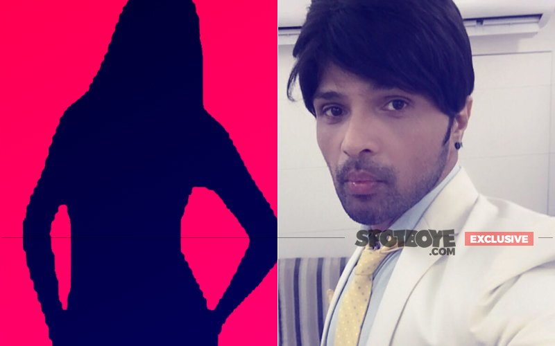 The Lady Who Broke Himesh Reshammiya's Home Is Now Living-In With Him!