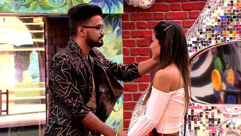hina khan with boyfriend rocky jaiswal