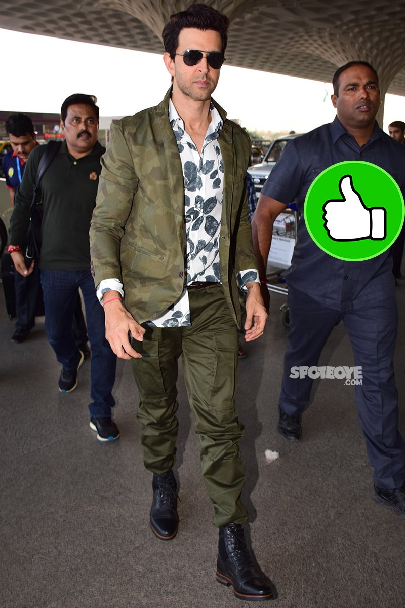 hrithik roshan at the airport