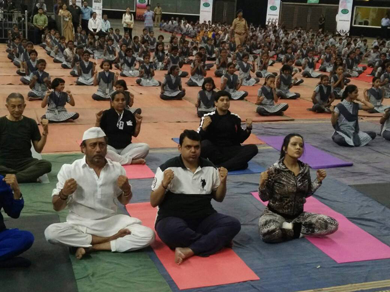 Image result for Devendra Fadnavis with jackie Shroff on Yoga day 2017