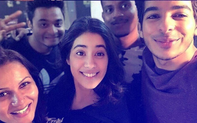 Janhvi Kapoor & Ishaan Khatter Wrap Up The First Schedule Of Dhadak – View Pics