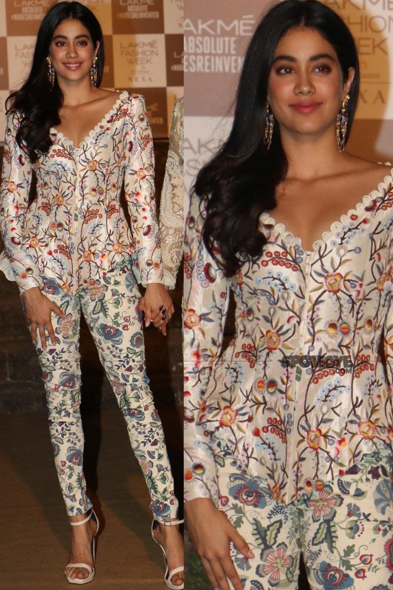janhvi kapoor at lakme fashion week