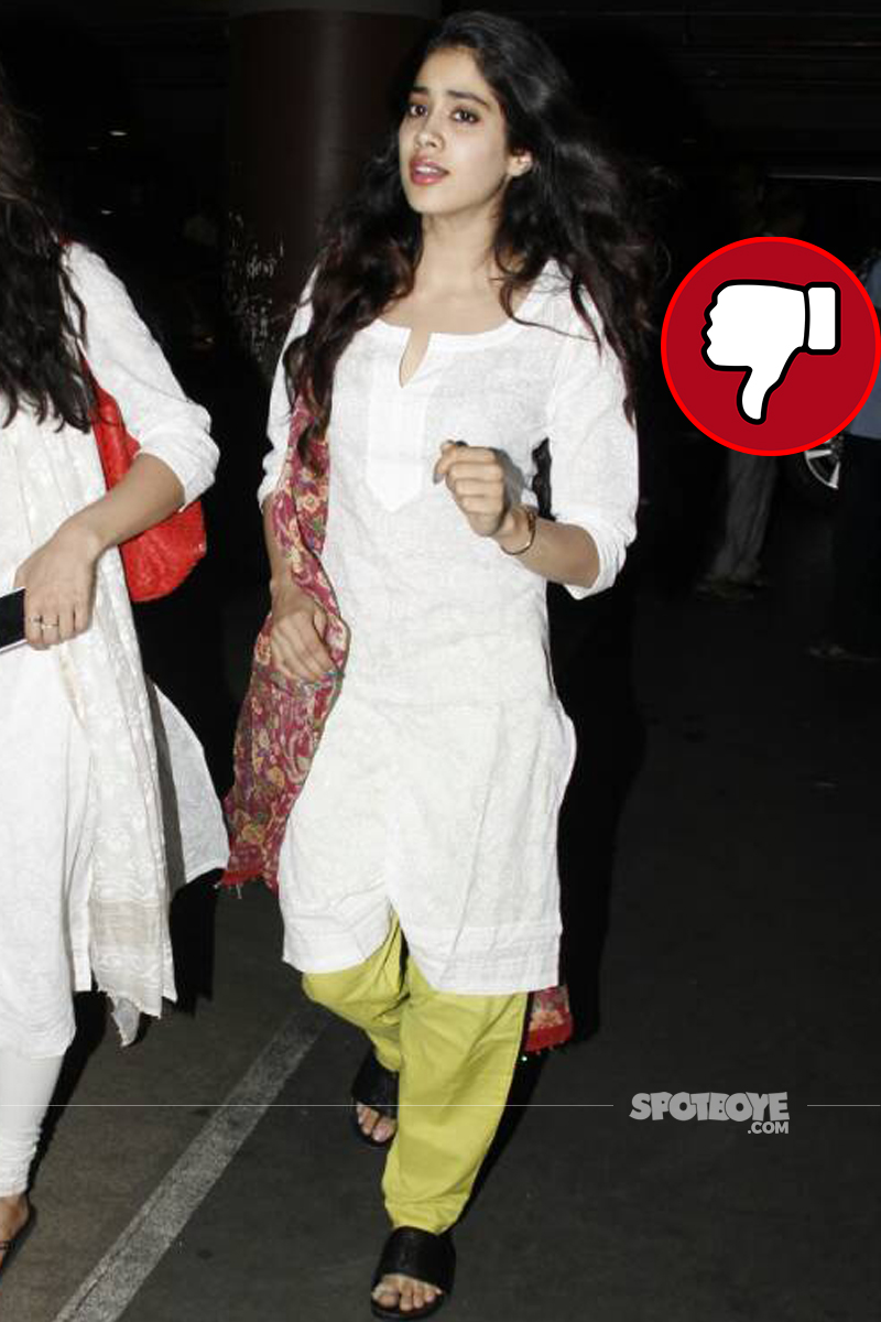 jhanvi kapoor spotted at the airport