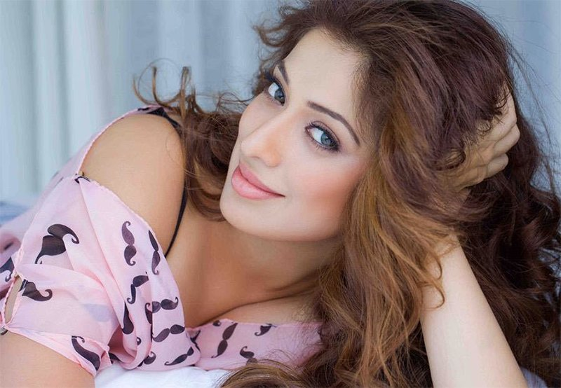 julie 2 actress in raai laxmi