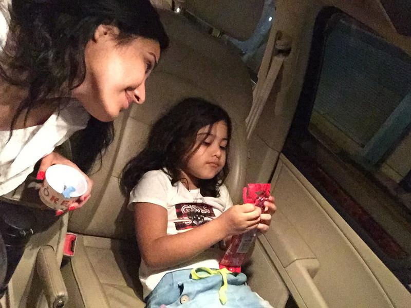 kamya punjabi with her daughter aara in goa