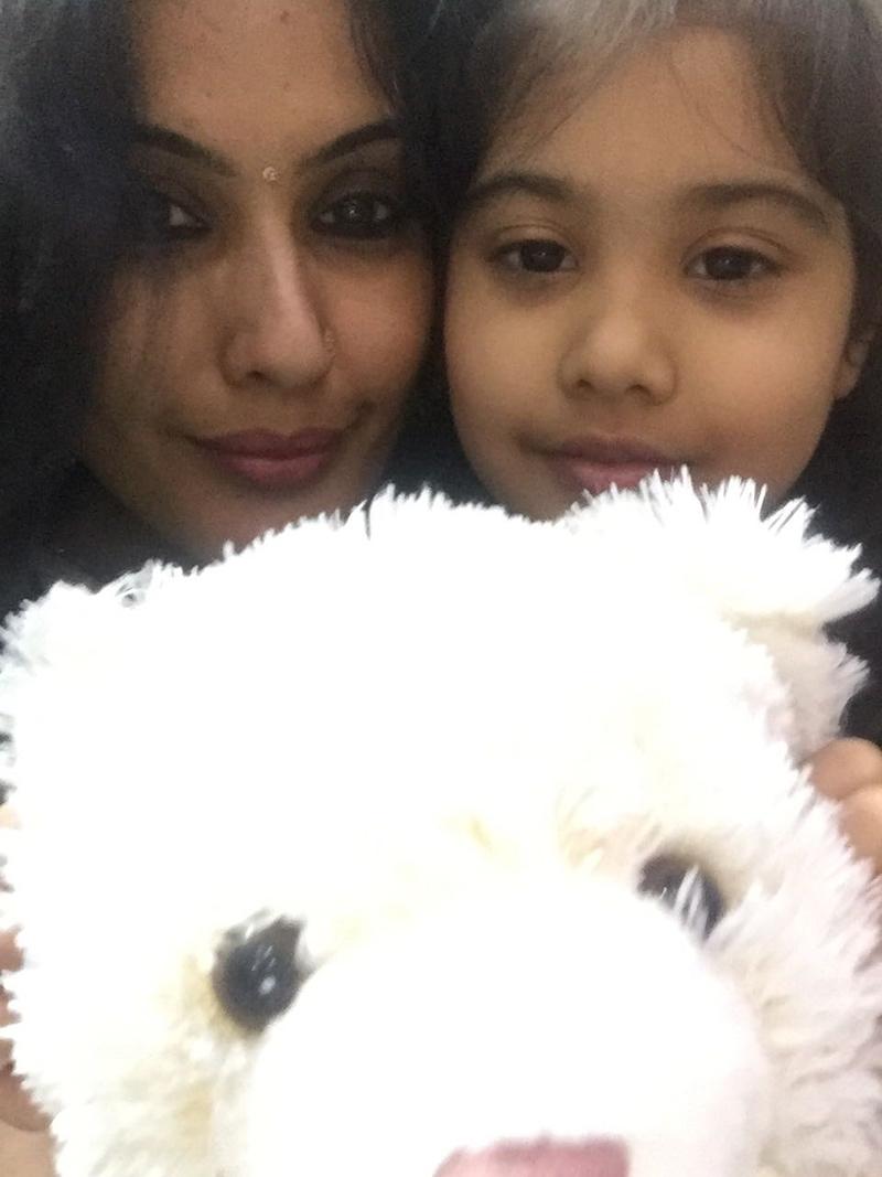 kamya with daughter aara