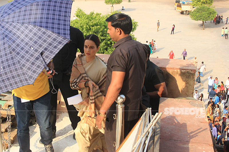 kangana ranaut on the sets