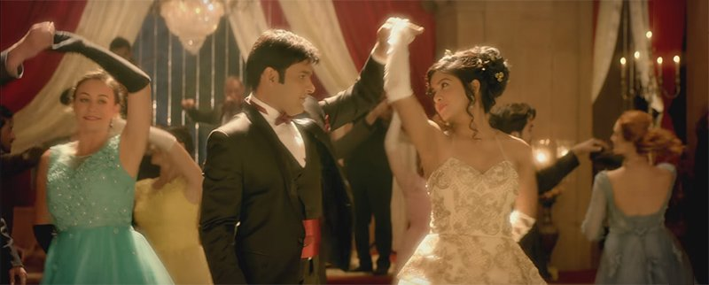 kapil sharma and ishita dutta in firangi