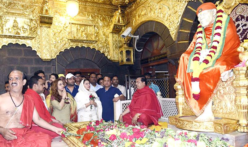 kapil sharma at shirdi sai baba temple