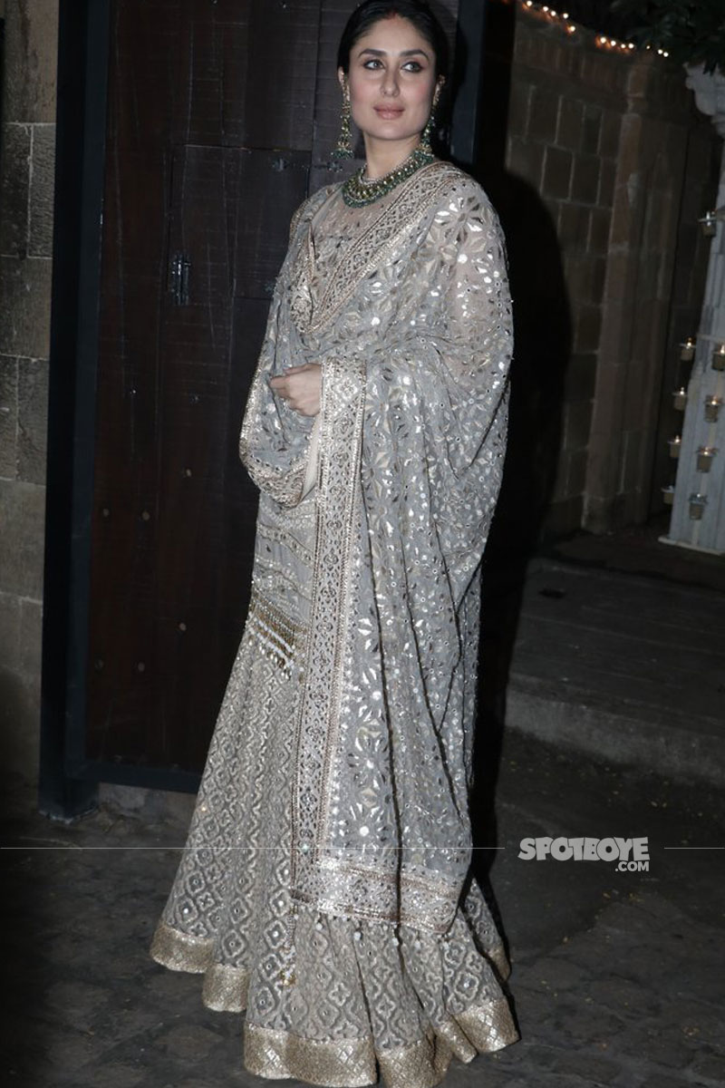 kareena kapoor at anil and sonam kapoors diwali bash