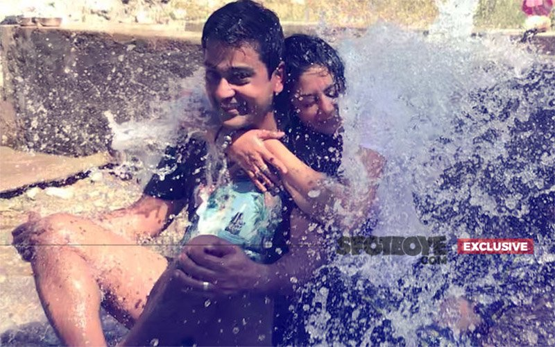 Kavita Kaushik's WET & WILD Holiday: EXCLUSIVE PICTURES Inside