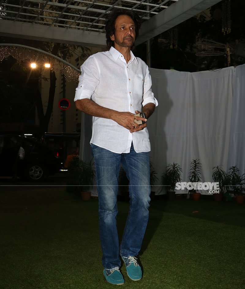 kay kay menon at neeraj vora s prayer meet