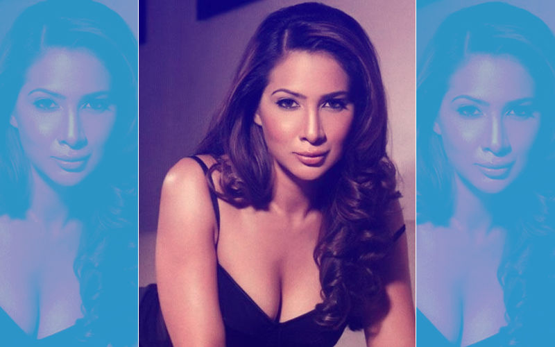 """Kim Sharma's Ex- House Help Alleges Assault; Says Was """"Pushed"""" After Laundry Mix-Up"""