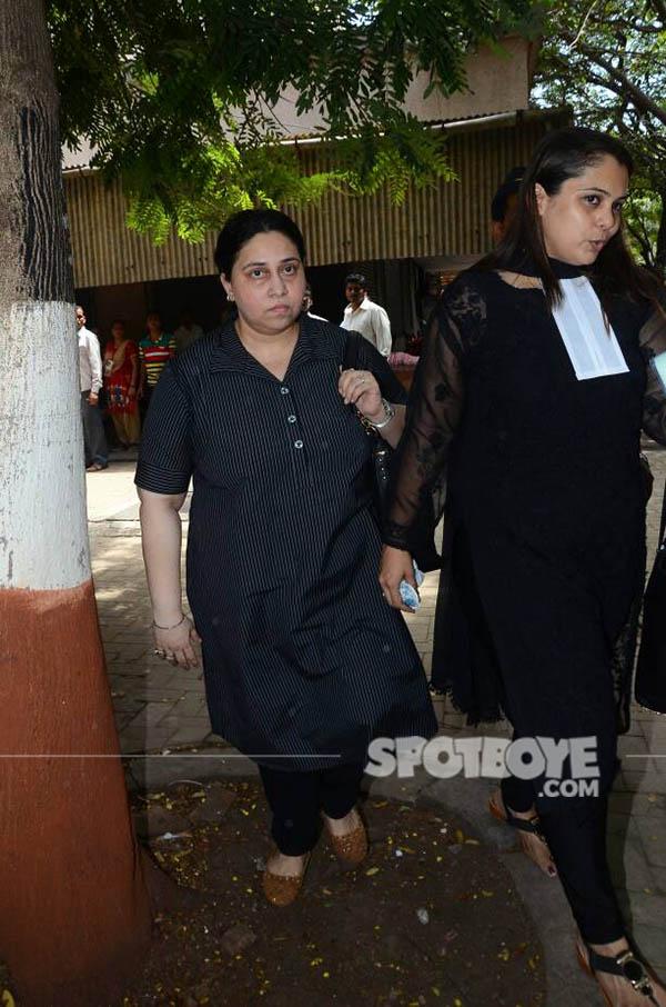komal reshammiya looks sad