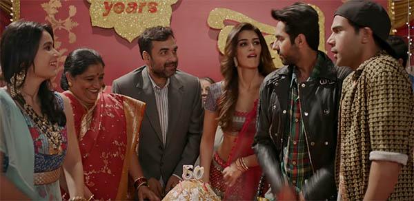 kriti sanon, ayushmann khurrana, rajkummar rao and others in sweety tera drama from bareilly ki barfi party song