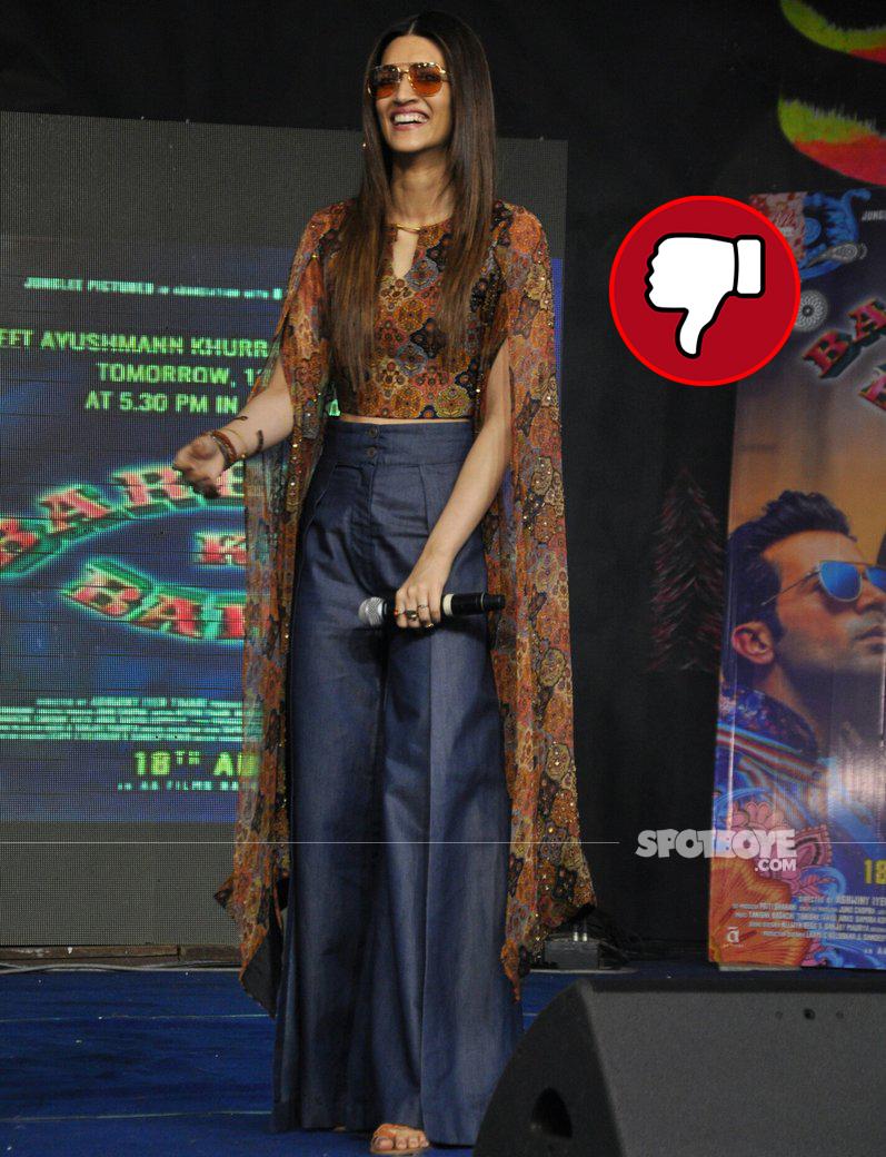 kriti sanon promotes her movie bareilly ki barfi