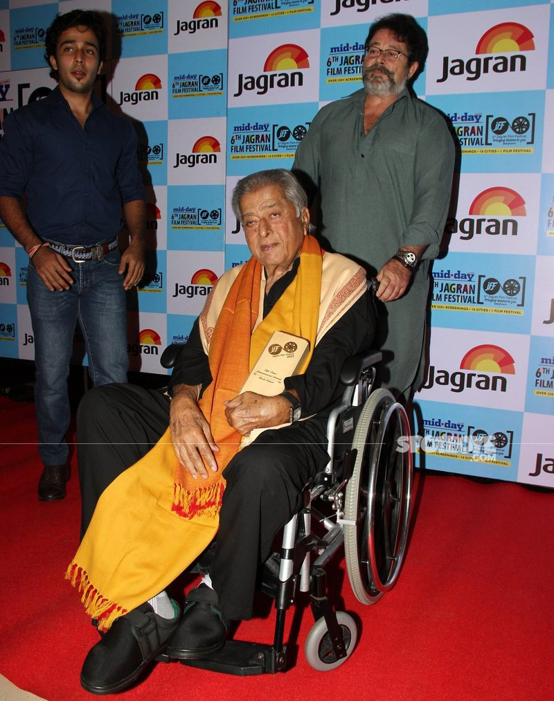 kunal kapoor with dad shashi kapoor