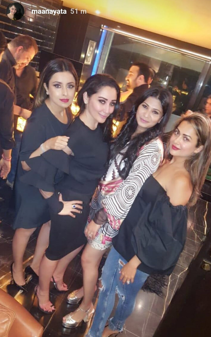 maanayata dutt poses with her girl gang