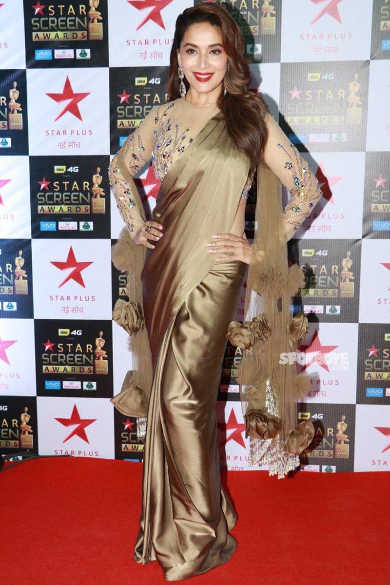 madhuri dixit at star screen awards