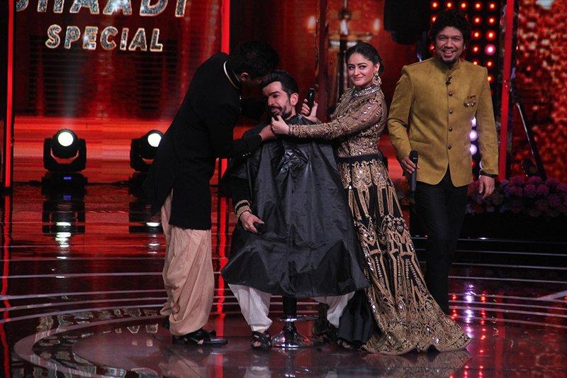 mahhi vij on the sets of the voice india kids