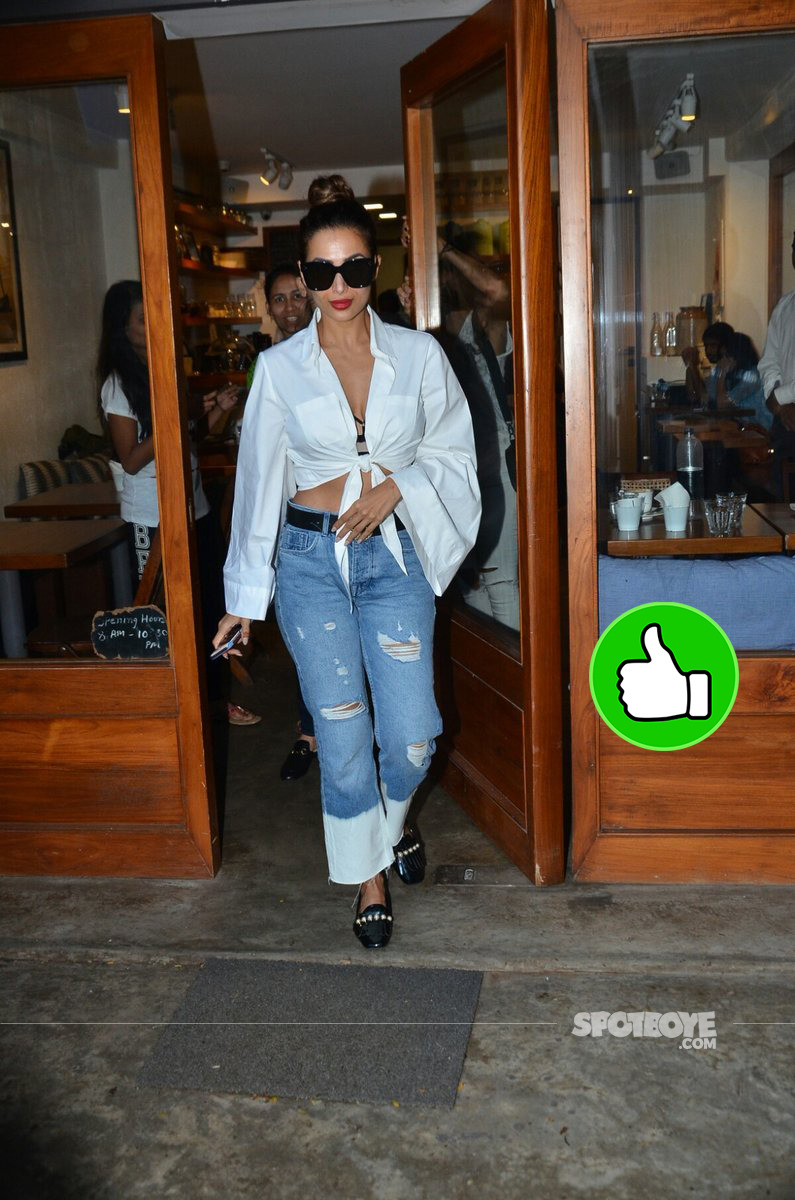 malaika arora snapped at a cafe