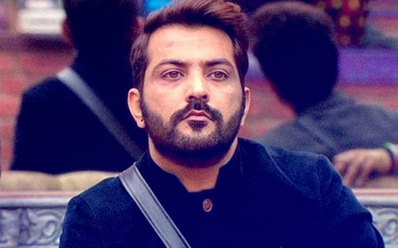 Bigg Boss Contestant Manu Punjabi Is The Latest Victim Of Cyber Theft