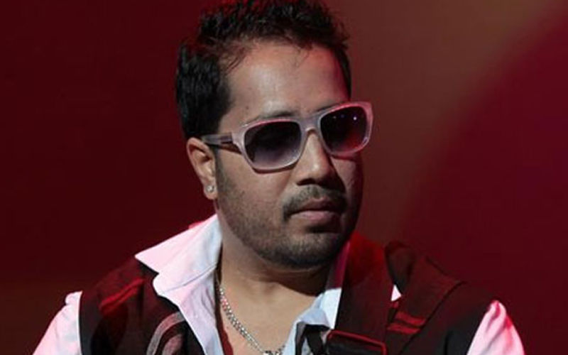 Singer Mika Singh Robbed Of Nearly Rs 3 lakh